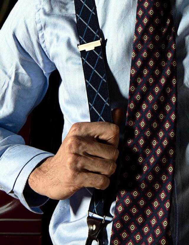 Manners Torrequebrada, el equilibrio entre lo clásico y lo moderno, una forma diferente de vestir la moda masculina, tirantes para el hombre de hoy